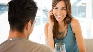 Ciri-ciri Wanita Introvert Jatuh Cinta